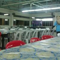 Photo taken at Dining hall, Maktab Duli PMAMB by sarinah on 12/2/2011