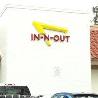 Photo taken at In-N-Out Burger by Nelson L. on 1/9/2011