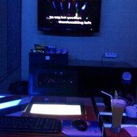 Photo taken at GnG Karaoke Keluarga by Martyn C. on 10/28/2011