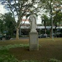 Das Foto wurde bei Praça Coração de Maria von Fernando C. am 6/16/2011 aufgenommen