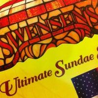 Photo taken at Swensen's by GuGoZaaaZ™ on 5/12/2012