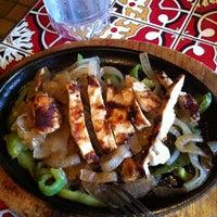 รูปภาพถ่ายที่ Chili's Grill & Bar โดย Hannah เมื่อ 8/10/2012