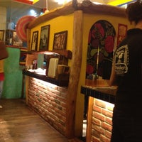 Photo taken at 帕喬斯墨西哥廚房 Pancho's Mexican Burrito Bar by Gareth Y. on 4/4/2012