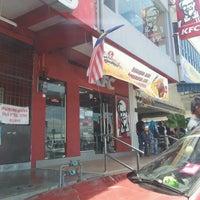 Photo taken at KFC Seri Iskandar by mohd r. on 8/31/2011