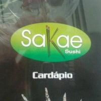 Foto tirada no(a) Sakae Sushi por Mauricio d. em 12/9/2011