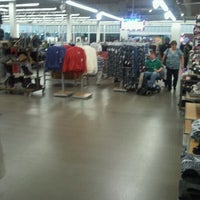 Photo taken at Old Navy by Tyrone H. on 12/17/2011