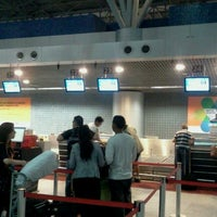Photo taken at Check-in LATAM by Dupla DDD D. on 11/4/2011