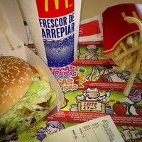 Foto tirada no(a) McDonald's por Leandro P. em 11/25/2011