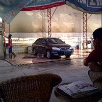 Photo taken at Cikopo Car Wash by Nurwan F. on 6/12/2012