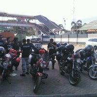 Photo taken at Pelabuhan Merak by Temmy D'Reddevil H. on 3/25/2012
