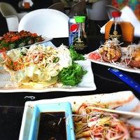 Photo taken at Sushi Market by Vanessa G. on 9/10/2011
