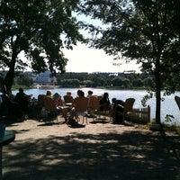 Das Foto wurde bei Sinisen huvilan kahvila von Jani P. am 7/14/2011 aufgenommen