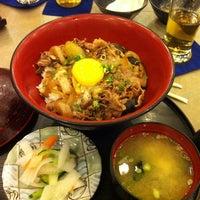 Foto tirada no(a) Tanabe Japanese Restaurant por Elbert C. em 10/26/2011
