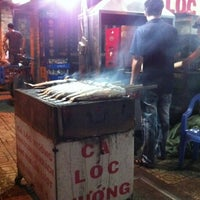 Photo taken at Ca Loc Nuong Anh Hung by  Tung M. on 8/5/2012
