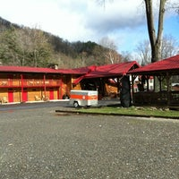 Photo taken at Smokey Falls Lodge by Shelly D. on 12/27/2011