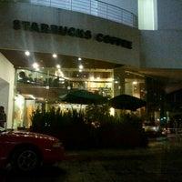 Photo taken at Starbucks by Erubiel V. on 11/5/2011