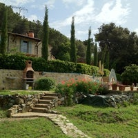 Photo taken at Villa Le Capanne by SirCambiozzi on 5/19/2012