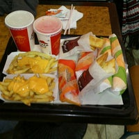 Photo taken at Taco Bell by Jaime E. on 7/7/2012