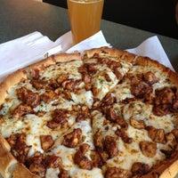Снимок сделан в Nello's Pizza пользователем Tom S. 6/8/2012