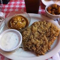 Foto tirada no(a) Mel's Country Cafe por Michele C. em 5/11/2011