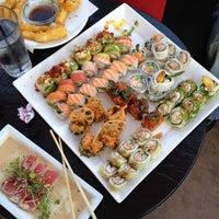 5/4/2012 tarihinde Roger J.ziyaretçi tarafından RA Sushi'de çekilen fotoğraf