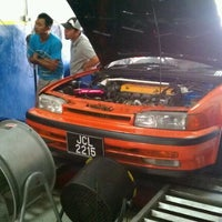 Photo taken at Mael Advan Auto (Dyno Dynamics) by Keno P. on 12/3/2011
