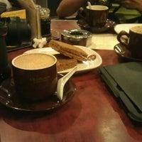 Photo taken at OldTown White Coffee by En.Kambing® on 12/4/2011