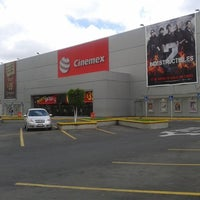 Photo taken at Cinemex by JOLUMO on 9/11/2012