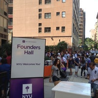 Das Foto wurde bei NYU Founders Residence Hall von Trevor S. am 8/26/2012 aufgenommen