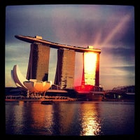 Photo prise au Marina Bay Downtown Area (MBDA) par Angelo C. le5/14/2012