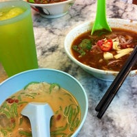 Photo taken at Penang Road Famous Teochew Chendul (Tan) by Kingsley on 7/12/2012
