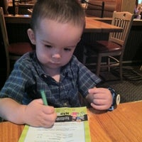 Photo taken at Applebee's Neighborhood Grill & Bar by Glad Dyan C. on 2/10/2012