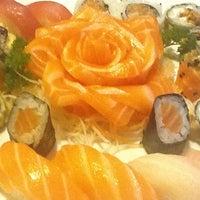 Foto tirada no(a) Kanzen Sushi e Temakeria por Alessandra L. em 8/2/2012