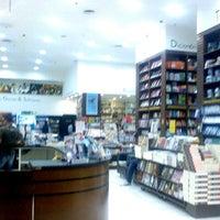 Photo taken at Saraiva Megastore by Josias J. on 9/11/2012