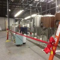 Foto scattata a 3 Stars Brewing Company da PJ C. il 8/25/2012