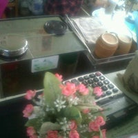 Photo taken at Palm Coffee by kisanapong p. on 3/28/2012
