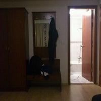11/15/2011 tarihinde Ozan K.ziyaretçi tarafından Hotel Helen'de çekilen fotoğraf