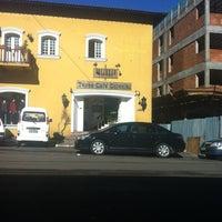 Foto tirada no(a) Torre Café Colonial por Polyana S. em 6/23/2012