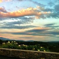 รูปภาพถ่ายที่ Inn On Biltmore Estate โดย Erin M. เมื่อ 8/3/2012