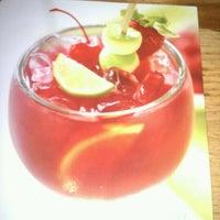 Photo taken at Applebee's Neighborhood Grill & Bar by Lisa K. on 11/13/2011