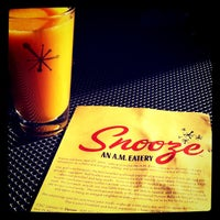 Photo taken at Snooze: An A.M. Eatery by Dan R. on 11/26/2011