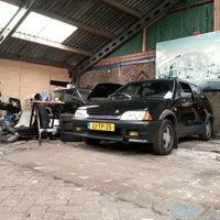 Photo taken at Voormalig Bouwbedrijf Van der Heijden Loods by Jelle J. on 8/4/2012