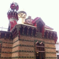 Foto tomada en El Capricho de Gaudí por Jiu el 4/29/2012