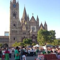 Foto tomada en Plaza Expiatorio por Abel C. el 5/28/2012