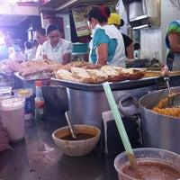 Foto tomada en Mercado de Santa Tere por Laura H. el 4/8/2012