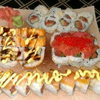 Photo prise au Akashi Japanese Grill & Sushi Bar par Tamara N. le4/20/2012