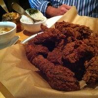 Foto scattata a Ma'ono Fried Chicken & Whisky da Jack S. il 7/2/2012