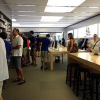 Photo taken at Apple Rideau by Jon F. on 7/8/2012