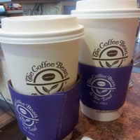 Photo taken at The Coffee Bean & Tea Leaf by HajarChi on 9/8/2012