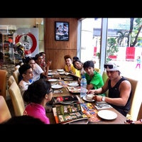 Photo taken at Pizza Hut by Ayie W. on 8/31/2012